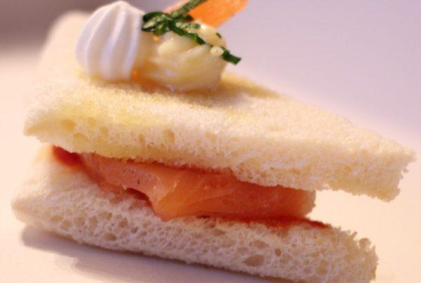 Mini club sandwich saumon gravlax